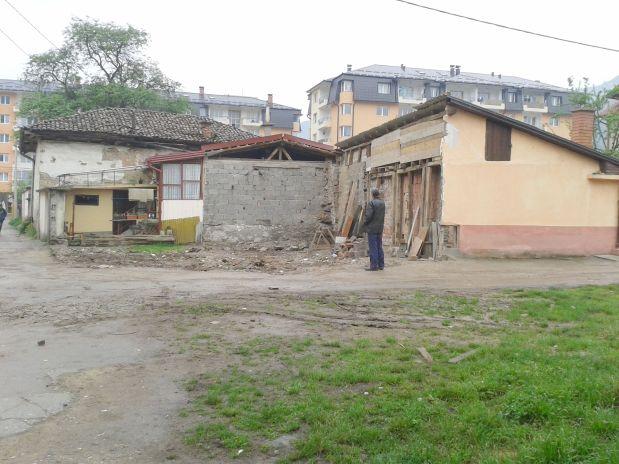 FOČA - Centar grada - Dvije kuće kojih više nema - kuća Kenana Sarača i kuća Muhammeda Bašića - ZA CENTAR FOČE NEMA DONACIJA!?Treba li komentar!?